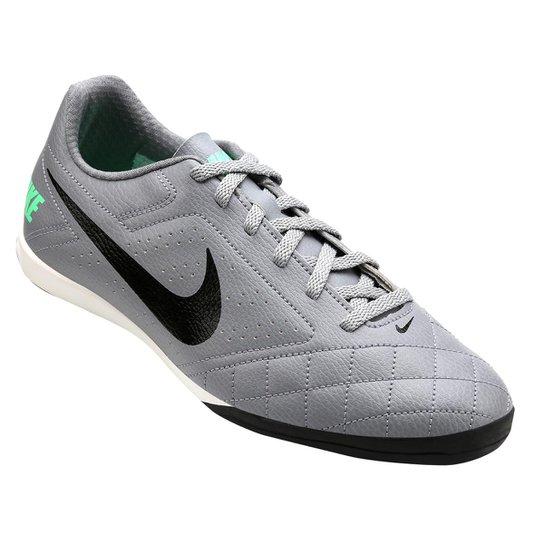 Chuteira Nike Futsal Beco Cinza Compre Agora Dafiti 9715d54d3c2c4