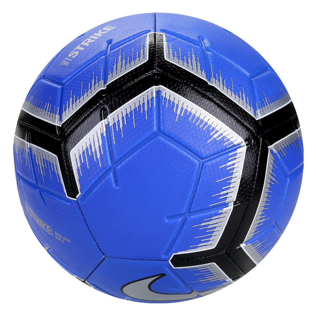 Bola de Futebol Campo Strike Nike - Azul e Preto - Compre Agora ... 43ce8ac0638e9