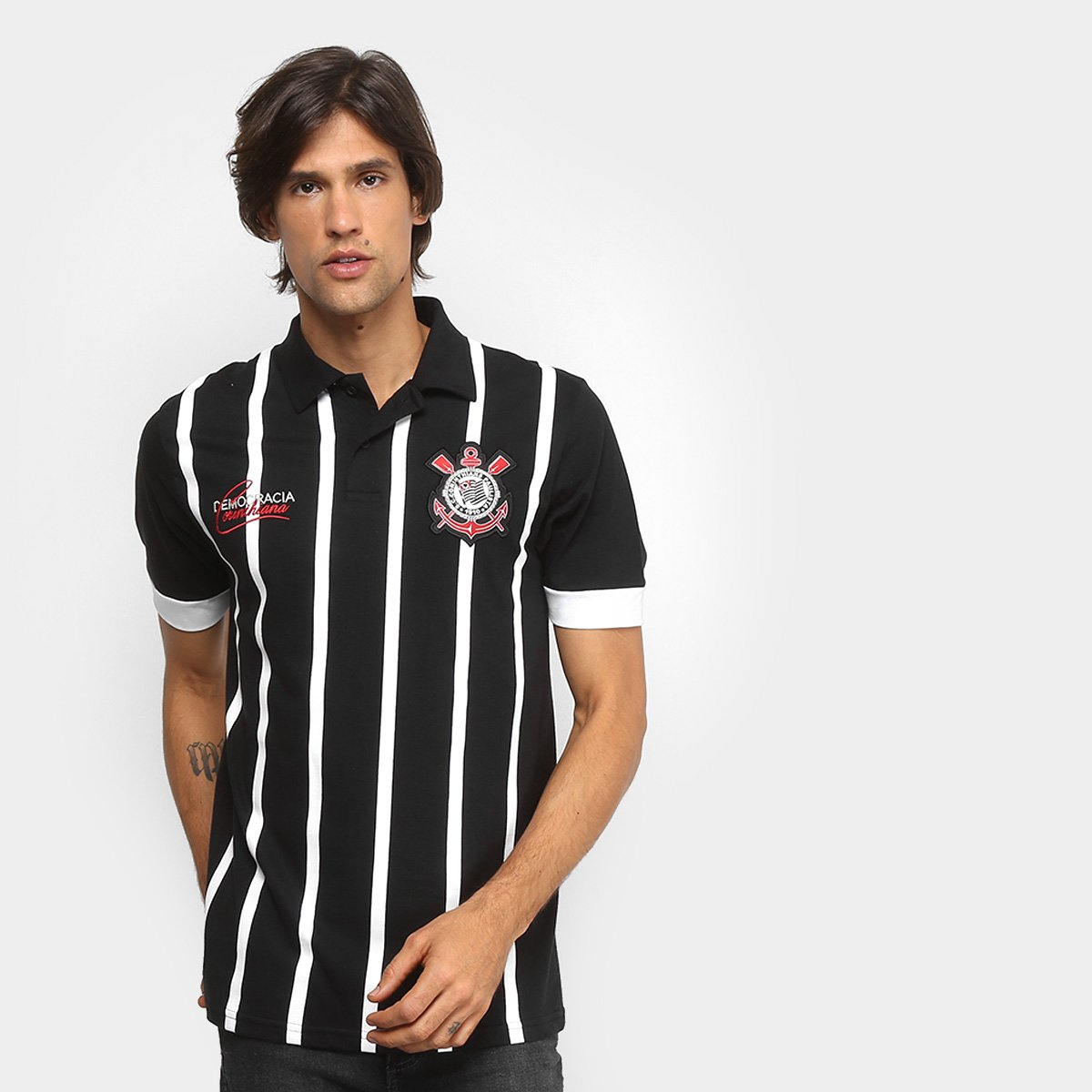 Camisa Polo Corinthians Democracia 1982 Masculina - Preto e Branco ... 4531f843ba50c
