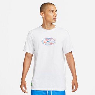 Camiseta Nike Sportwear Worldwide Mundi Masculina