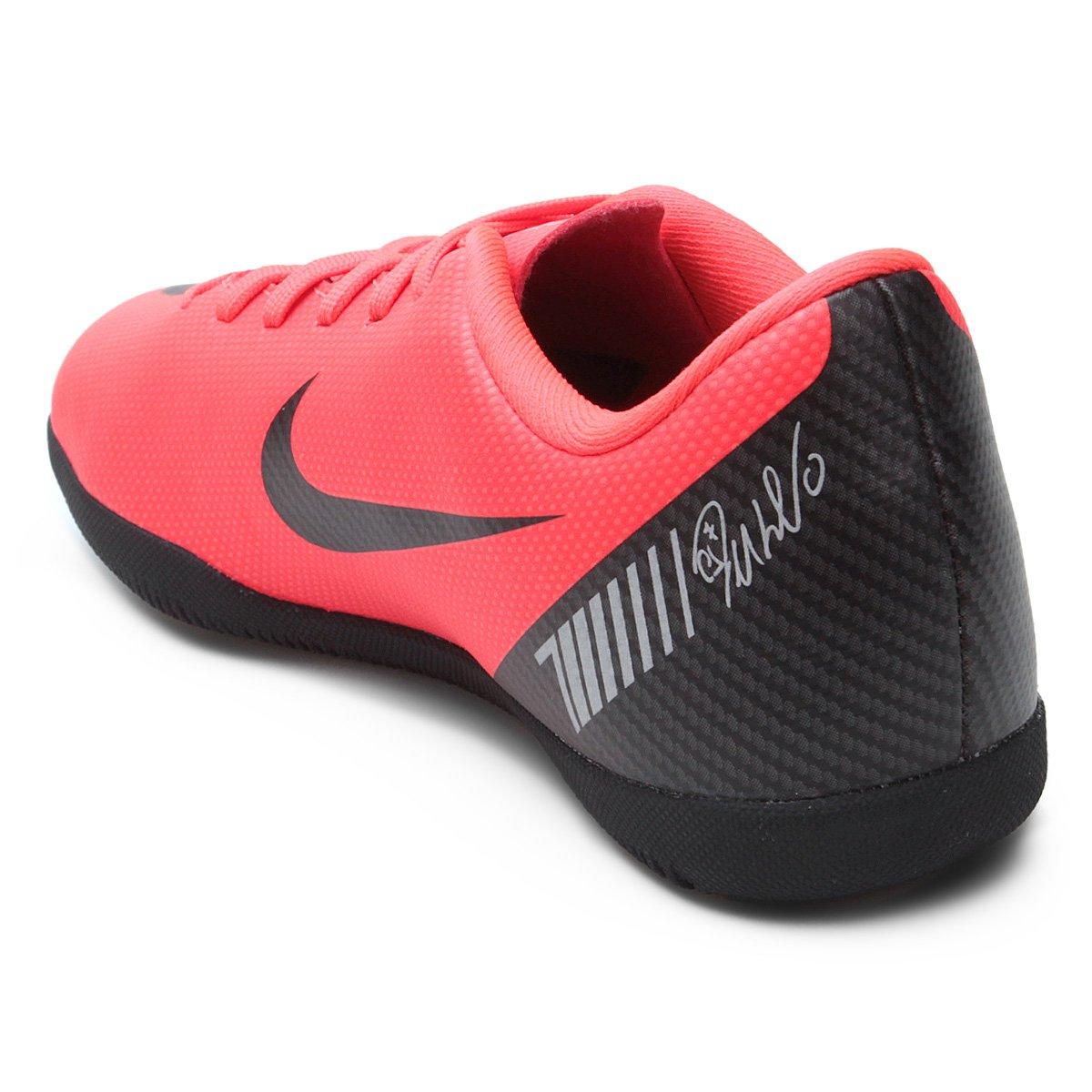 ... Chuteira Futsal Infantil Nike Mercurial Vapor 12 Club GS CR7 IC ... 58a3c7e4a3dbc