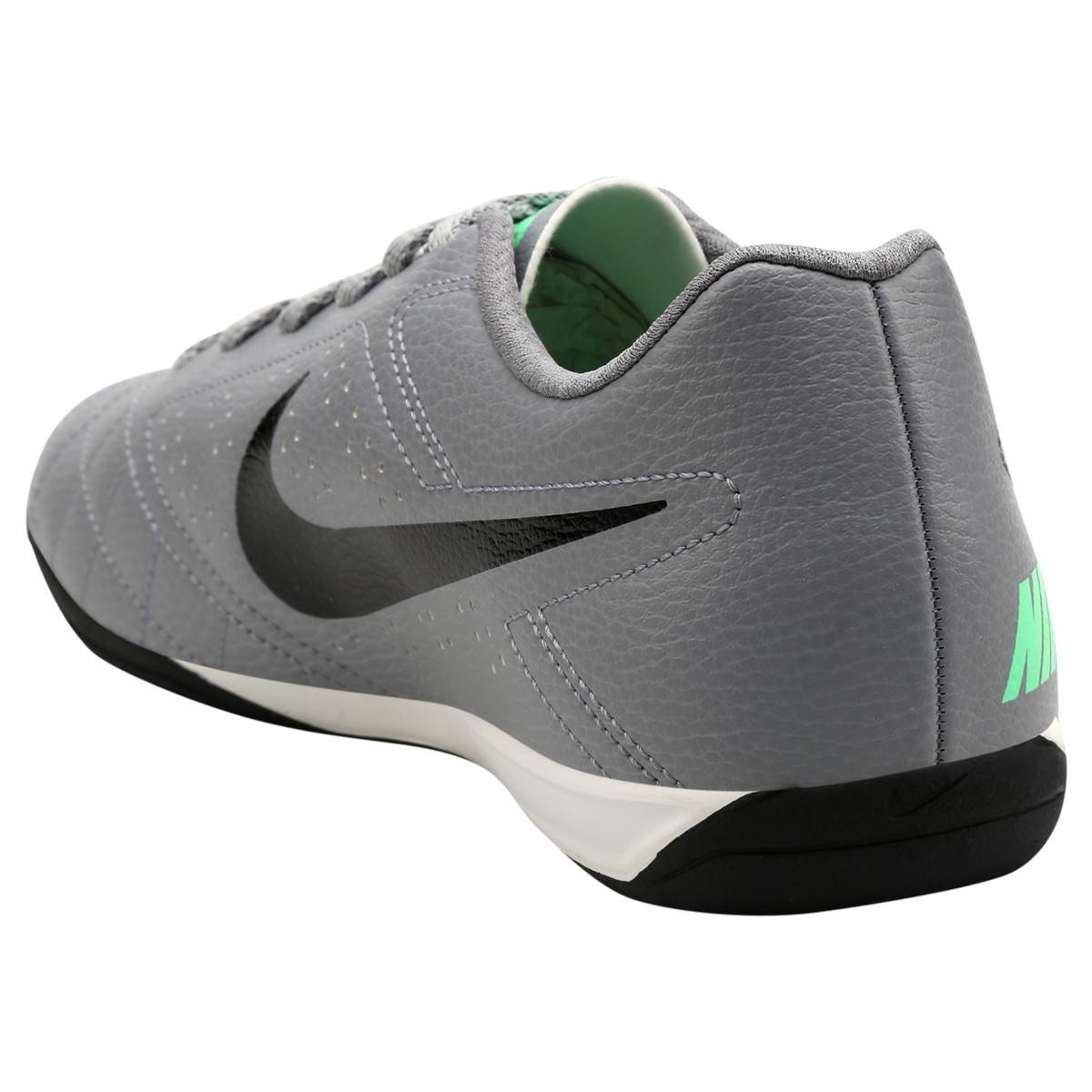 Chuteira Nike Futsal Beco Cinza Compre Agora Dafiti 16e2c8d01bf80