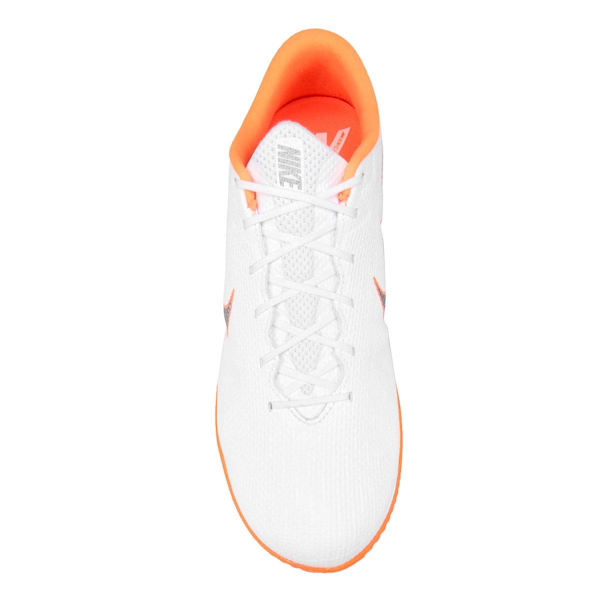 2a1a8aa5c3 Chuteira Futsal Nike Mercurial Vapor 12 Academy - Branco e Cinza ...