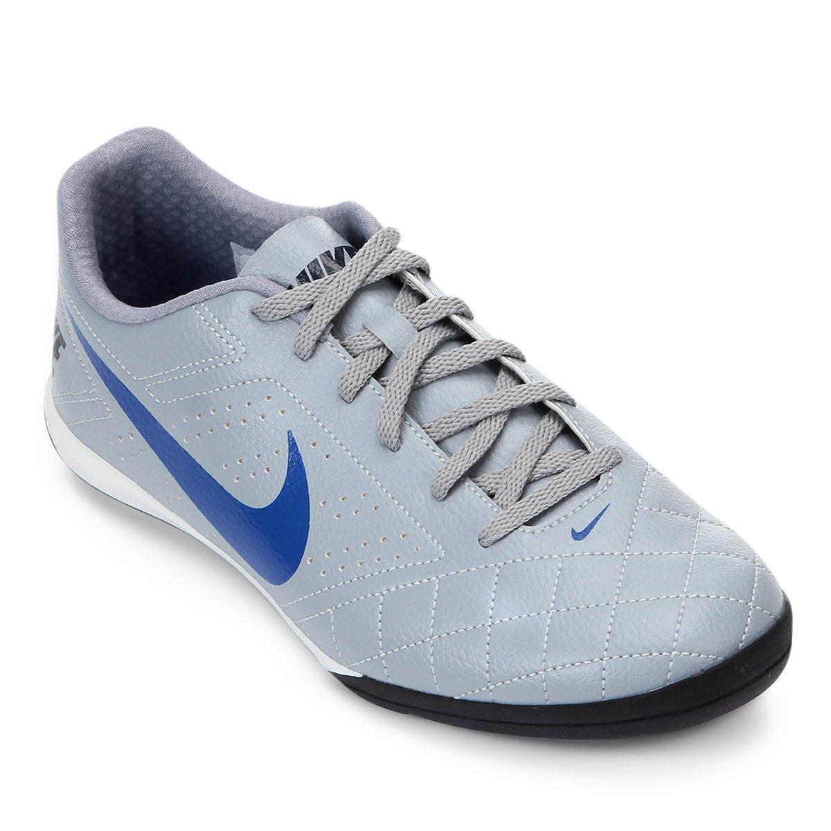 8d30f3e463bb2 Chuteira Nike Beco 2 - Cinza e Branco - Compre Agora
