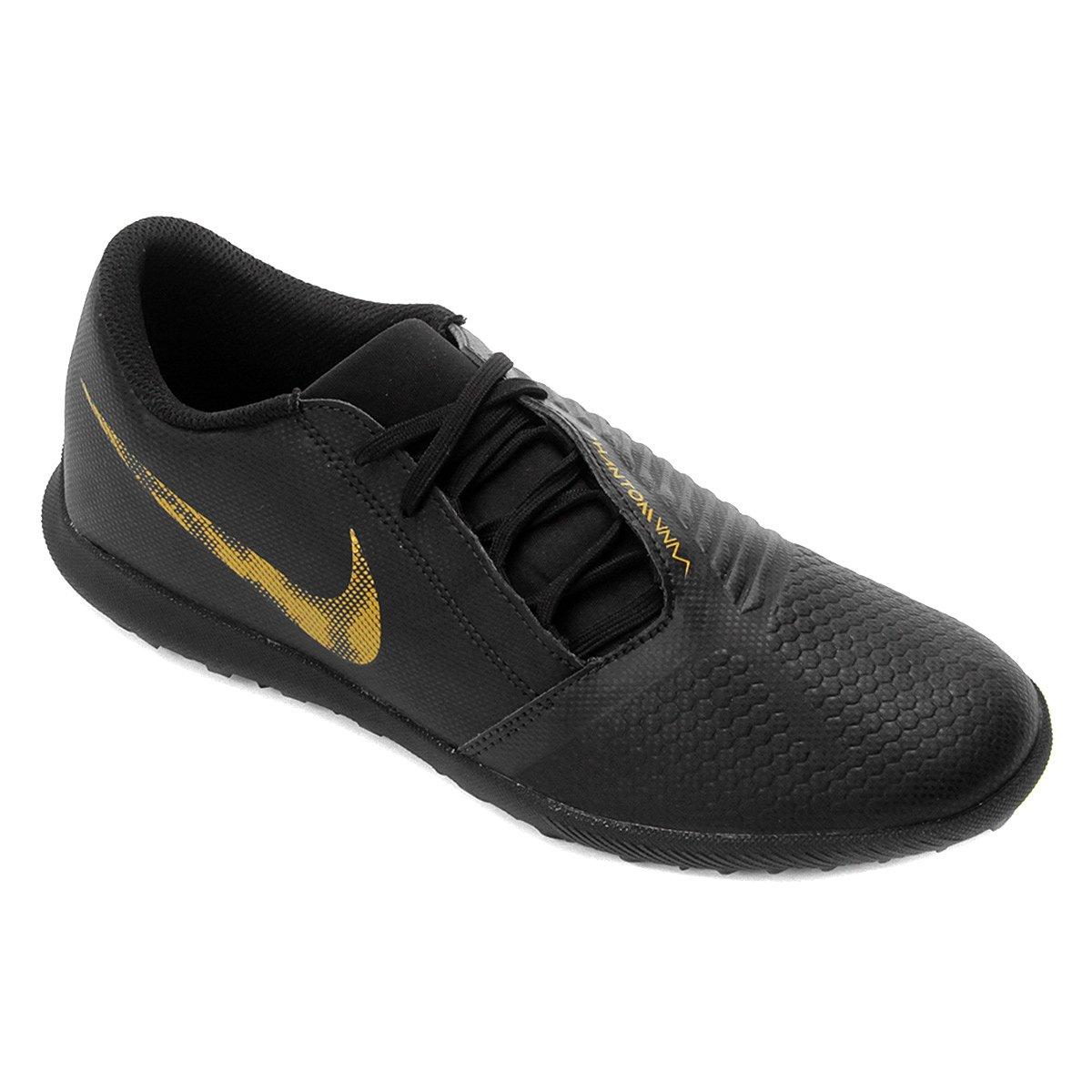 Chuteira Society Nike Phantom Venom Club TF - Preto e Dourado ... f9ba94a410a82