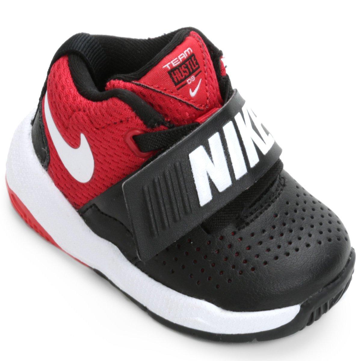 ac5f67632b Tênis Infantil Couro Nike Team Hustle D Masculino - Preto e Vermelho -  Compre Agora
