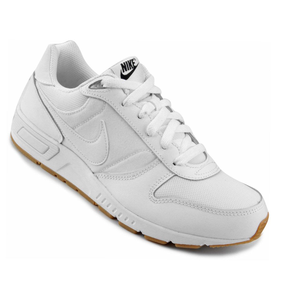 0d6529ac3ee Tênis Nike Nightgazer Masculino - Branco e Preto - Compre Agora ...