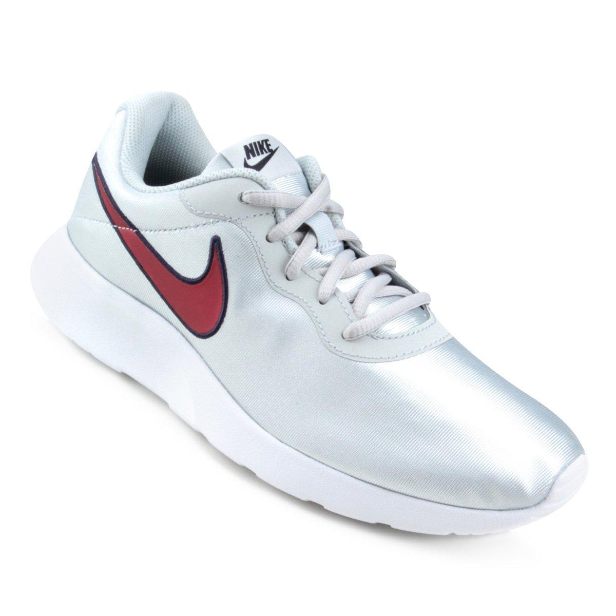 499c15305484f Tênis Nike Tanjun Se Feminino - Prata e Vermelho - Compre Agora ...